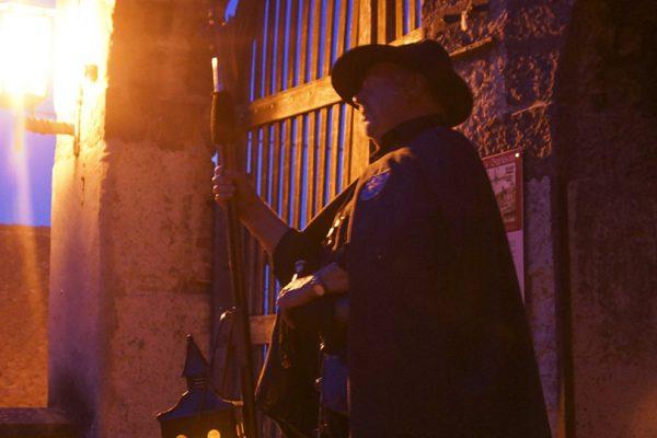 Fackelwanderung – Käsefondue im Brennhisli – Nachtwächterrundgang
